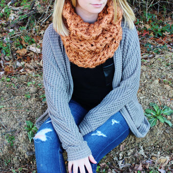 Rusted Peach Knitted Cirlce Scarf with Double Knit Loop Pattern, Chunky Soft Fashion Neck Wamer