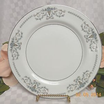 Mikasa China Dinnerware Margaret Pattern #5555  Blue Flowers 2 Dinner  plate