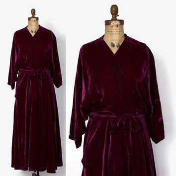 Vintage 50s Dressing GOWN / 1950s Plum Purple Velvet Draped Dolman Belted Robe M
