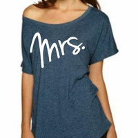 Mrs Shirt, Off Shoulder Mrs, Bride T-Shirt, Just Married, Honeymoon, Bride Shirt, Wedding Shirt