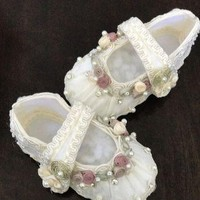 White handmade flower baby christening shoes baby shoes new born newborn shoes girl