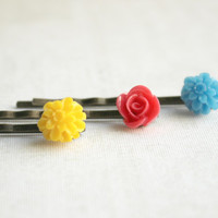 Antique Gold Resin Flower Hair Pins in Blue, Pink, and Yellow - Set of 3 - Vintage Style Spring Hair Accessories
