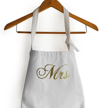 Valentines Gift -Mr Mrs Apron, Monogram Apron Full Length, Wedding Gift, Bridal Couple Gifts, Housewarming Gifts, Gift For Him, Gift For Her