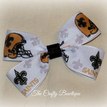 New Orleans Saints Small Boutique Hair Bow, Small Sports Clippie Bow, Baby Saints Bow, Small NFL Bow, Sports Team Bow, Baby Headband Bow
