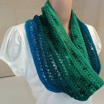 Handcrafted Cowl Blues and Greens Drop Stitch 100% Wool Female Adult Striped -- New No Tags