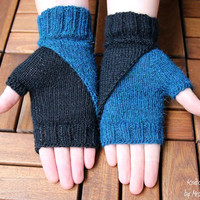 """Fingerless Mittens """"Black & White""""  handknitted from 100% Alpaca Wool - incredibly soft and warm, any color combination possible, for her"""