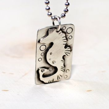 Sea horse necklace in sterling silver