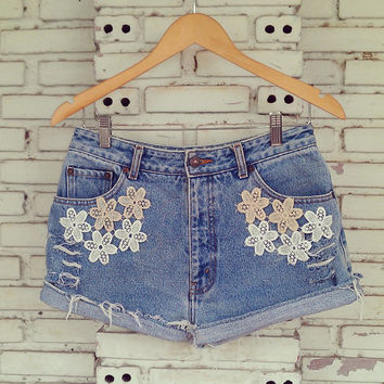 Vintage Lace Shorts / DIY Destroyed Cut Off Jean Shorts 29 Waist