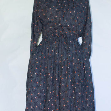 Vintage Saint Clair Paris Floral print Dress With Peter Pan Collar. Made in France. S/M