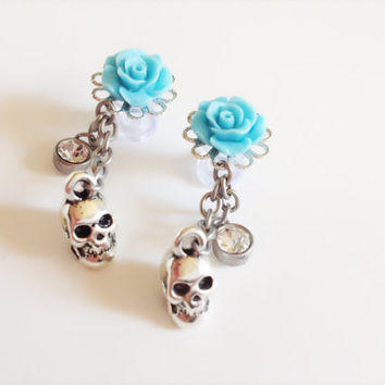 2g Dangle Plugs With Skulls Choose From 21 Rose Colors Rose Plugs 0g 4g Gauged Earrings Crystal Beads, Chain, And Skulls