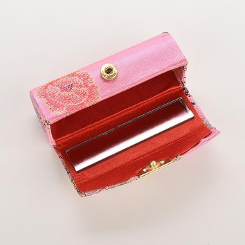 New 1Pcs Coin Lipstick Holder Random Color Embroidered Flower Design Lipstick Case Box with Mirror Hasp Cosmetic Bags