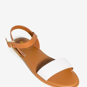 Bayside-26s Front and Center Sandal