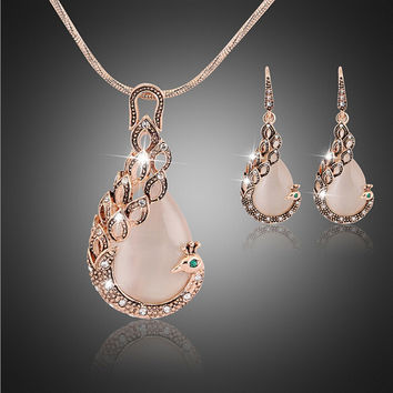 Fashion women 18K Gold Plated Simulated-Pearl necklace/Earrings set Animal peacock modeling Pendant Jewelry Sets for party A6249