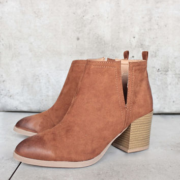 side slit chelsea ankle booties - chesnut