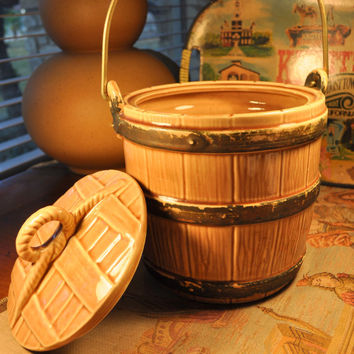 Vintage 1960's McCoy Oaken Barrel Cookie Jar