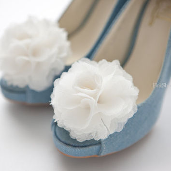 Ruffle Chiffon Flower shoe clips in Light Ivory