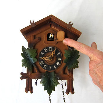 Vintage Mid Century German Black Forest Wood Cuckoo Clock