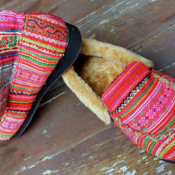 Womens Slippers Moccasin Style In Pink Ethnic Hmong Embroidery With Plush Lining Gift