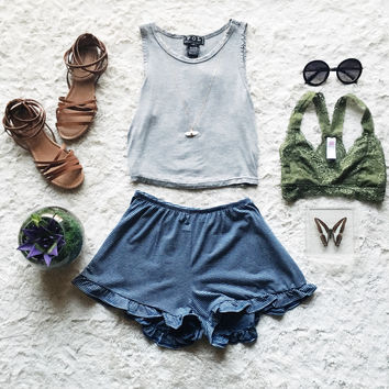 A Striped Ruffle Short