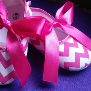 Clearance sale, Ballerina Baby Shoes, pink Baby Shoes, baby shoes, baby girl crib shoes, chevron baby shoes, wedding, Ready to ship