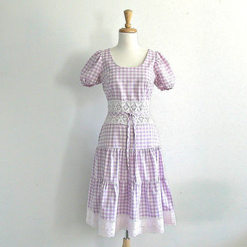 1960s Dress / 60s gingham dress / country dress / tiered dress / crochet / eyelet sundress / Betty Barclay / womens dress / small