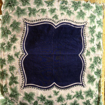 Vintage Hankie ivy with navy blue center