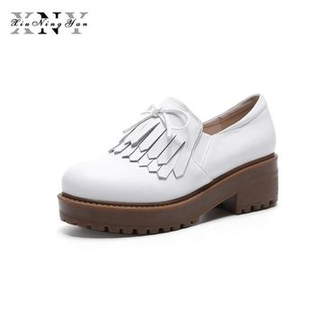 XIUNINGYAN Women Loafers Genuine Leather 2018 New Spring Autumn Thick Heel Women Flat Fashion Tassel Low-heeled Shoes for Woman
