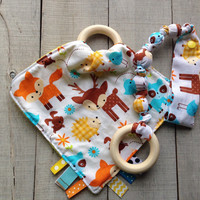 Woodland Animal Tag blanket, Snap teether gift set, baby teething toy, Forest Animals Ribbon blankie, fabric teether, Baby Shower gift set