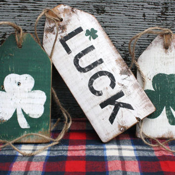 FREE SHIP St Patrick's Day Irish Luck Shamrock Rustic Distressed Wood Large Tag Sign Set