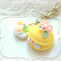 Macaroon necklace, yellow handmade macaron necklace, macaron charm, fake food jewelry, whimsical jewelry, lolita accessories, gift under 20