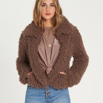 Billabong Women's Fur Keeps Faux Fur Cropped Jacket |Coyote