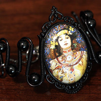 Steampunk Victorian Jewelry - Bracelet - Alphonse Mucha - Moet Chandon - Crement Imperial