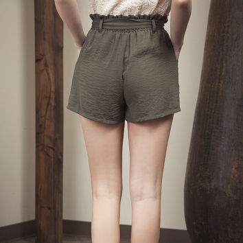 Adventure Tie Shorts Olive