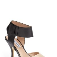 Women's Steve Madden 'Swift' Pointy Toe Pump