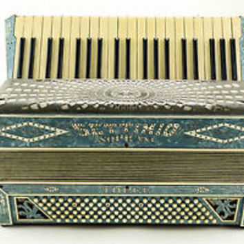 NICE VINTAGE SETTIMIO SOPRANI THREE 120 BASS BUTTON PIANO ACCORDION - ITALY