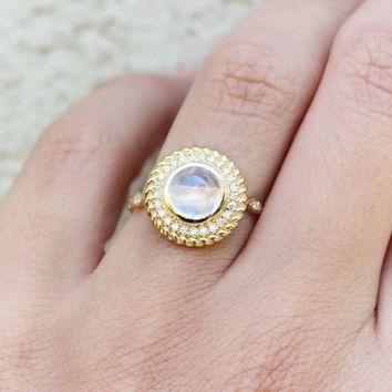 Uniqu custom  Moonstone Engagement Ring Set with Natural Diamond Halo -  Bridal Statement Jewelry in Rose/white/yellow 18k or 14k gold