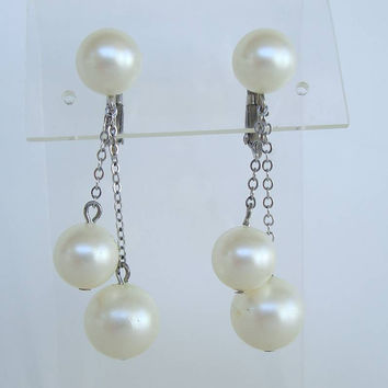 Richelieu Pearl Dangle Clip On Earrings Fine Chains Vintage Jewelry