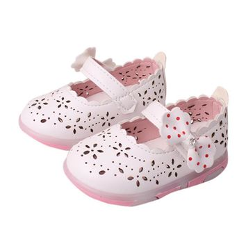 Sandals Kids baby girls sandals shoes with Led Light summer 2017 Toddler Girls shoes Hollow Bowknot Sandals Lighted Soft-Soled