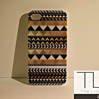 Black & Gold Triangle Pattern iPhone 4/4s Case