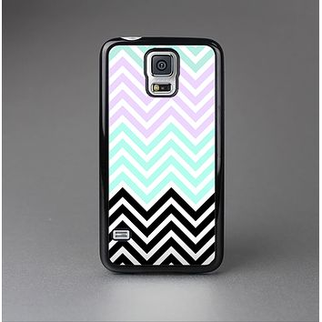 The Light Teal & Purple Sharp Black Chevron Skin-Sert Case for the Samsung Galaxy S5