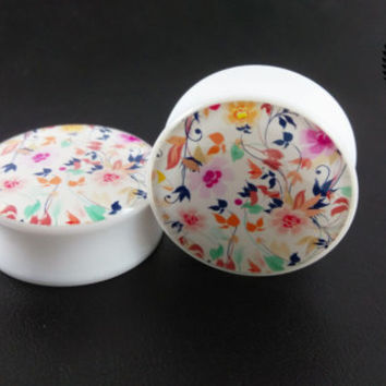 "Flower Ear Plugs, White Pop Art  Design, Double Flared Saddle, 0g, 00g, 1"", BIG SIZES, small sizes, Ear Gauges, Ear Tunnels, Sold as a PAIR"