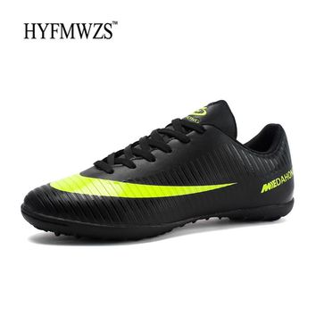 HYFMWZS 2018 Cheap Chuteira Futebol Krasovki Kids Football Boots Superfly Original TF Soccer Shoes Men Breathable Soccer Cleats
