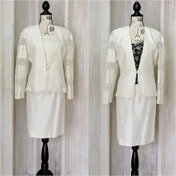 Womens formal dress suit / size 10 / 12 / vintage 80s / cream / off white / pearl / 2 piece skirt suit / formal / wedding / evening