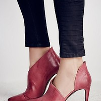 FP Collection Womens Silver Linings Heel