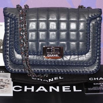 CHANEL Chocolate Bar Square Stitch Quilt CROCHET Reissue Flap Bag Navy *LIMITED*