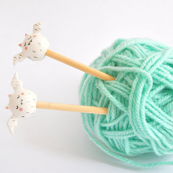 Set Two Knitting Bamboo Needles, Ceramic White Vampire Top. Sizes 6.0 mm, 7.00 mm and 8.00 mm (US 10, US- and US 11). Ready To Ship