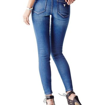 Mid-Rise Curve X Jeans in Speakeasy Wash | GUESS.com