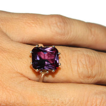Amazing Alexandrite Ring, Over 8 Carats, Color Changing Stone
