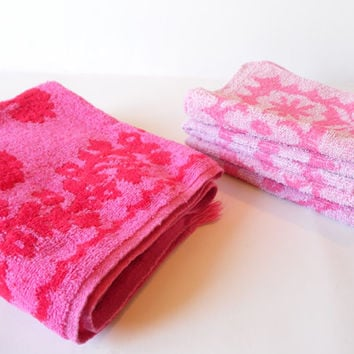 FREE SHIPPING - Hand Towel/Wash Cloths/Vintage Towels/Shabby Chic Towels/Pink Towel