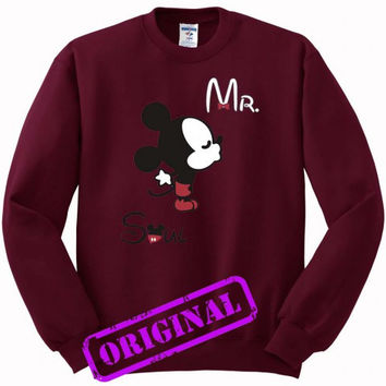 3 Mickey Kissing Minnie + Mr for men for Sweater maroon, Sweatshirt maroon unisex adult